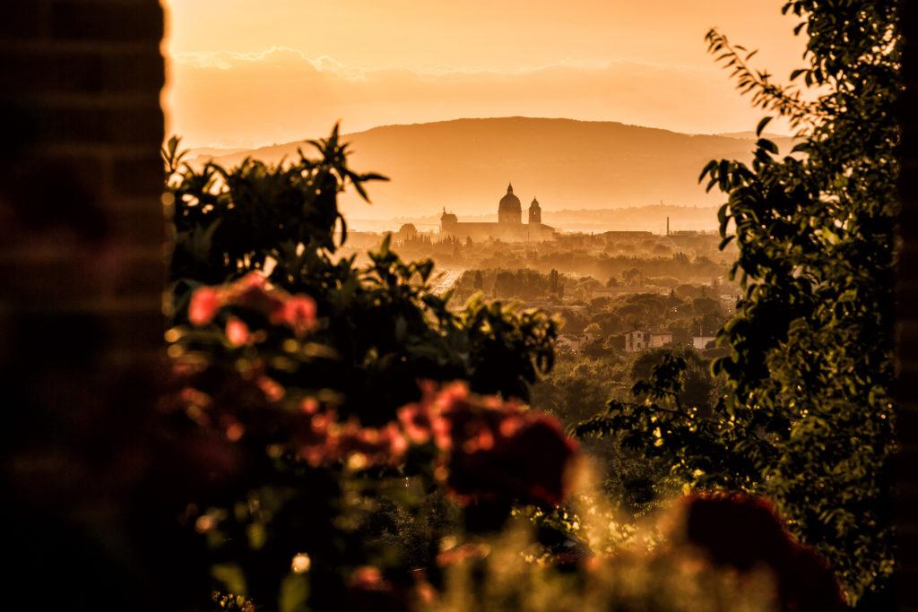 Tili Vini Assisi -vista basilica