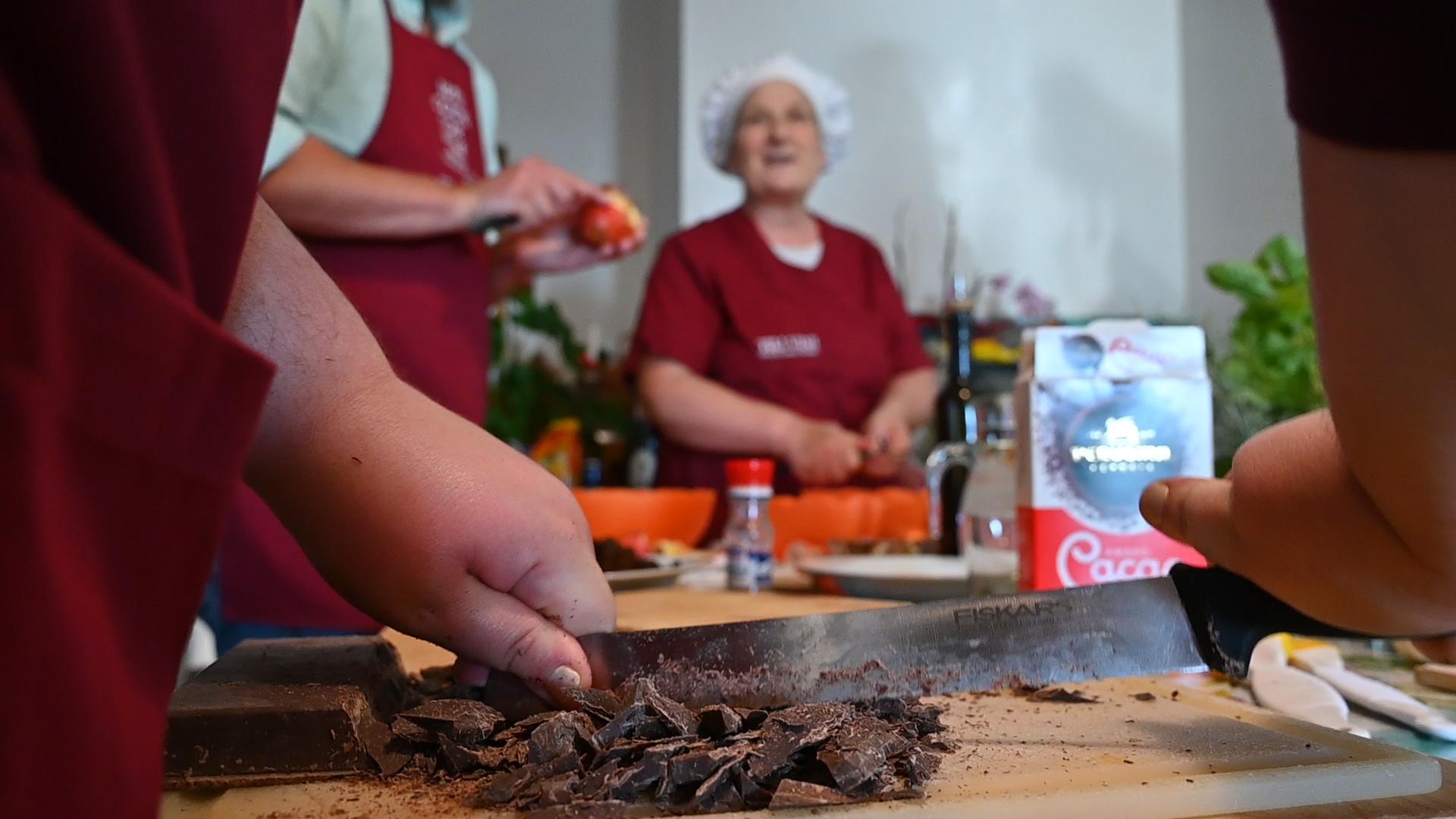 Esperienza sensoriale Assisi Tili Vini - Lezioni di cucina Umbra 14