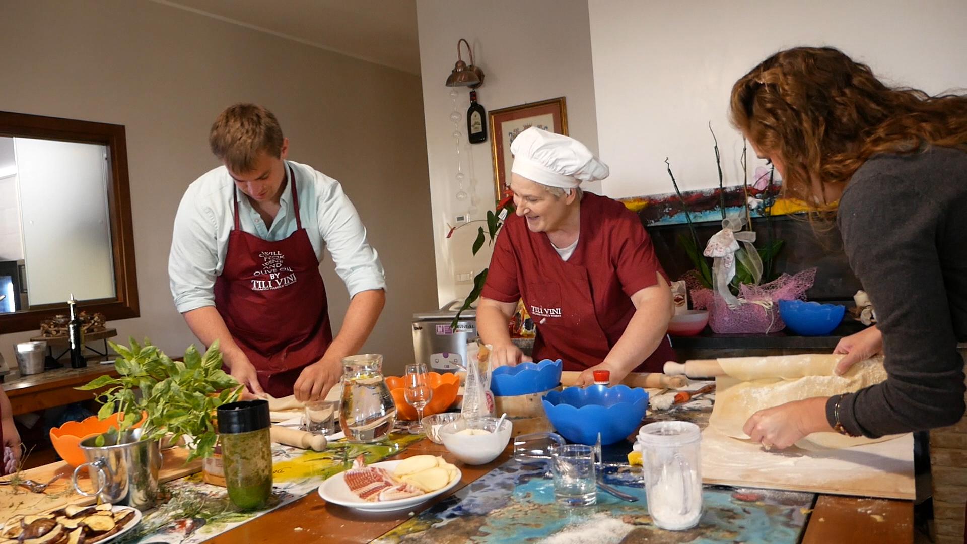 Esperienza sensoriale Assisi Tili Vini - Lezioni di cucina Umbra 5